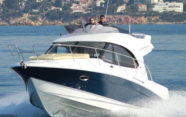 ANTARES 32 FLY. Rent this boat in Sardegna