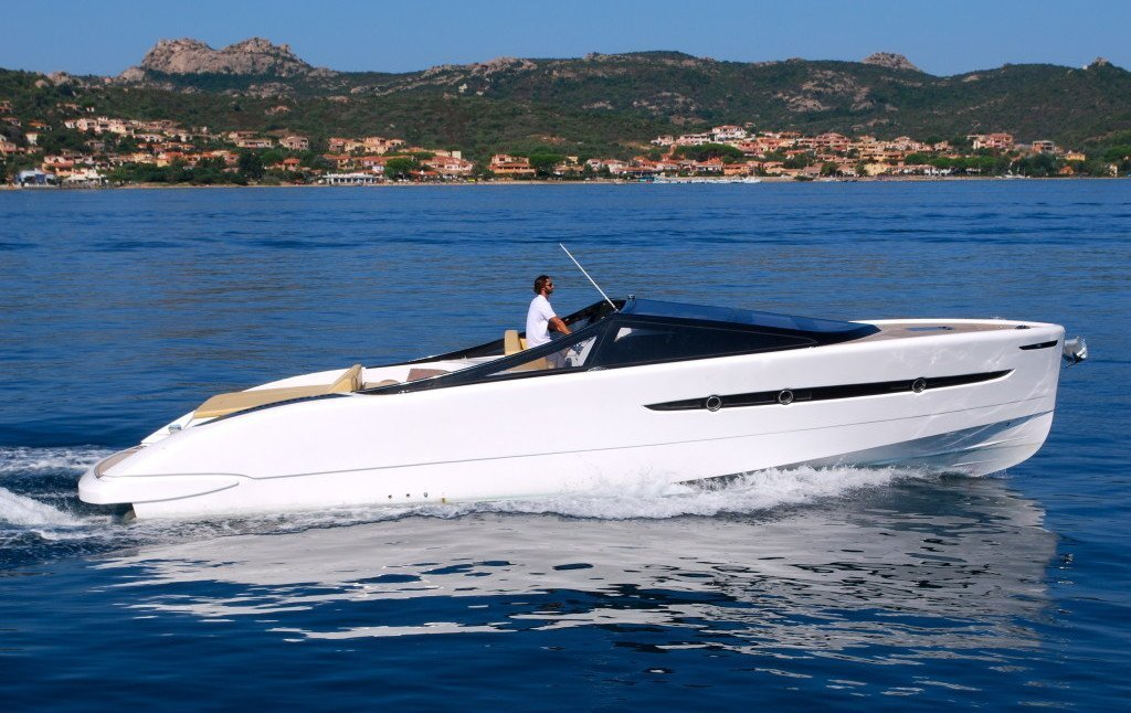 BARRACUDA 42. Charter yacht a Cannigione holiday in Sardinia.