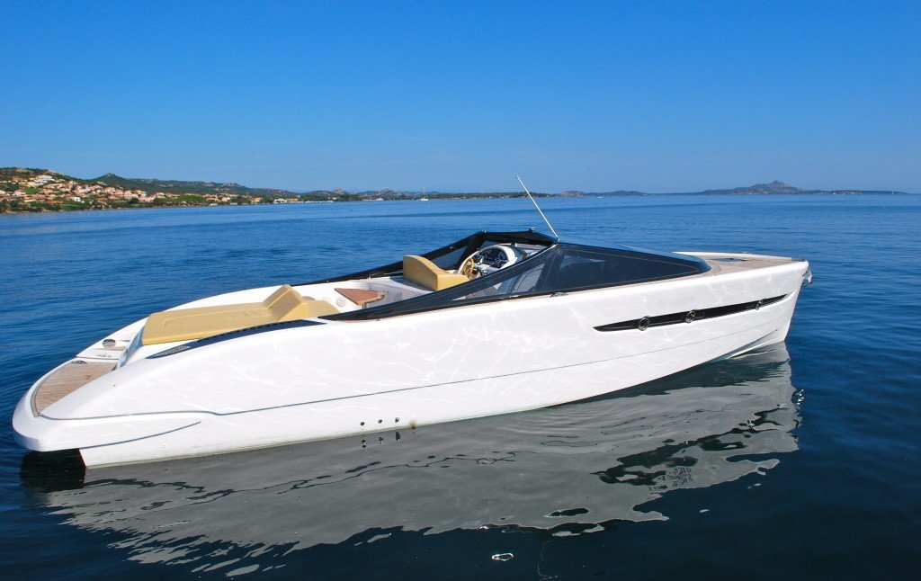 BARRACUDA 42. Charter yacht a Cannigione to rent in Nord Sardinia.