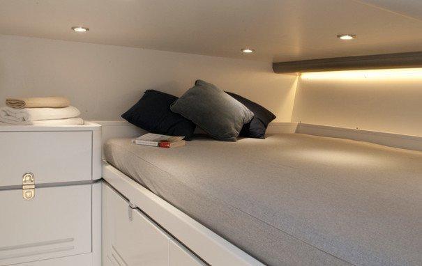 BARRACUDA 42. Charter yacht a Cannigione letto singolo.