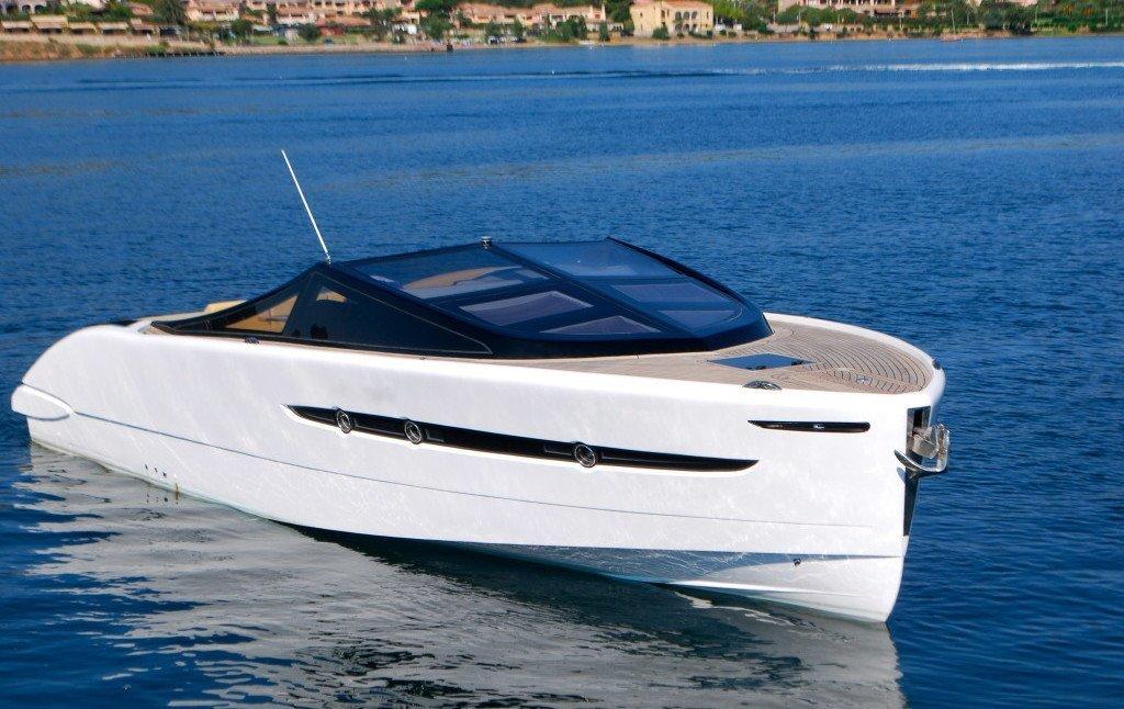 BARRACUDA 42. Charter yacht a noleggio Cannigione, Sardegna.