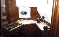 PRESTIGE 32. Charter barca a motore da affittare.