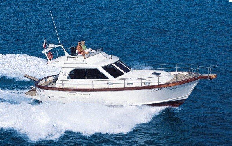 SCIALLINO 40. Noleggio barche a motore  Cagliari Free Charter