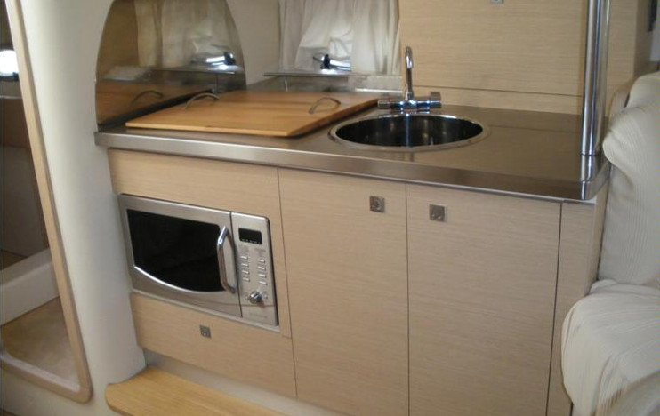 SESSA 30. kitchen Boat for rent Sardinia