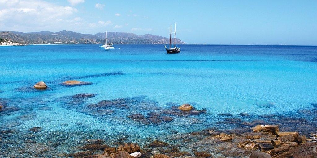 Vacanza Sud Sardegna in yacht. Il tesoro di Villasimius, la spiaggia del Tanka.