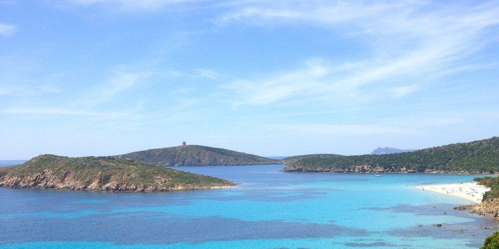 Abbiamo selezionato le migliore spiagge per la tua vacanza in barca al sud Sardegna. Il paradiso del sud, spiaggia di Tuerreda (Chia).